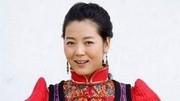 胡楊女人王茜華-《吻你》,深情演唱,歌聲悠揚!