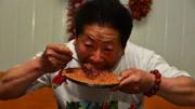 什么都敢吃的貝爺!遇到中國人餐桌上的美食,他卻發誓再也不吃了
