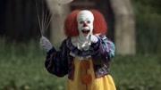 美國經典恐怖片《小丑回魂》很多人的童年陰影